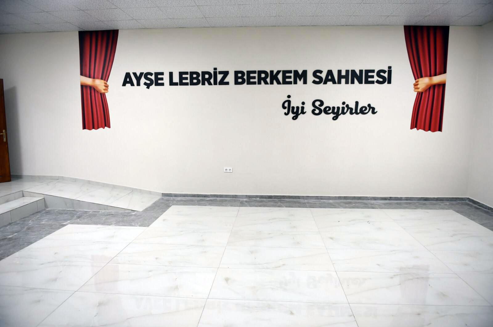 TARSUS'TA AYŞE LEBRİZ BERKEM SAHNESİ AÇILDI